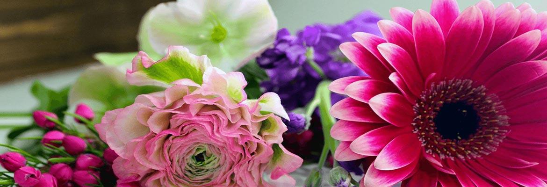 đặt vòng hoa tang lễ tại quận 10