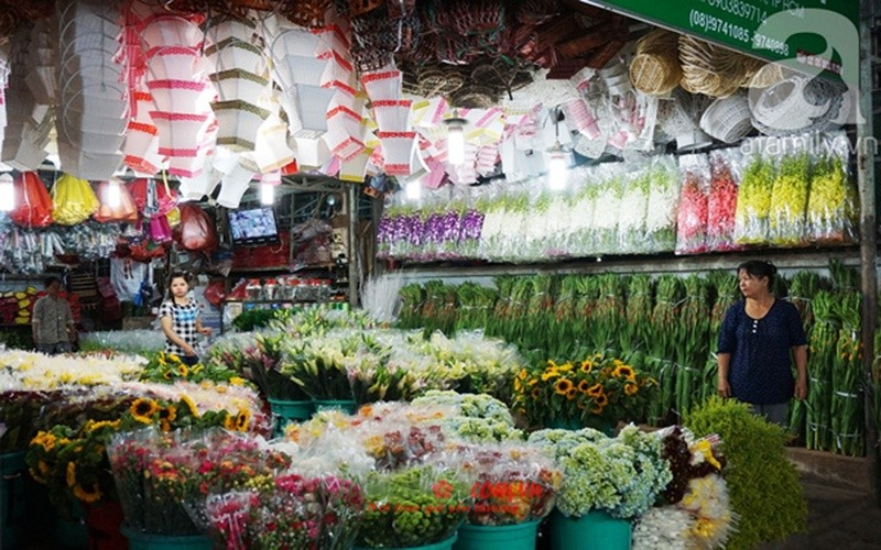 Hình ảnh tại chợ hoa Đầm Sen
