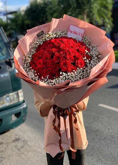 bó hoa hồng sinh nhật khách