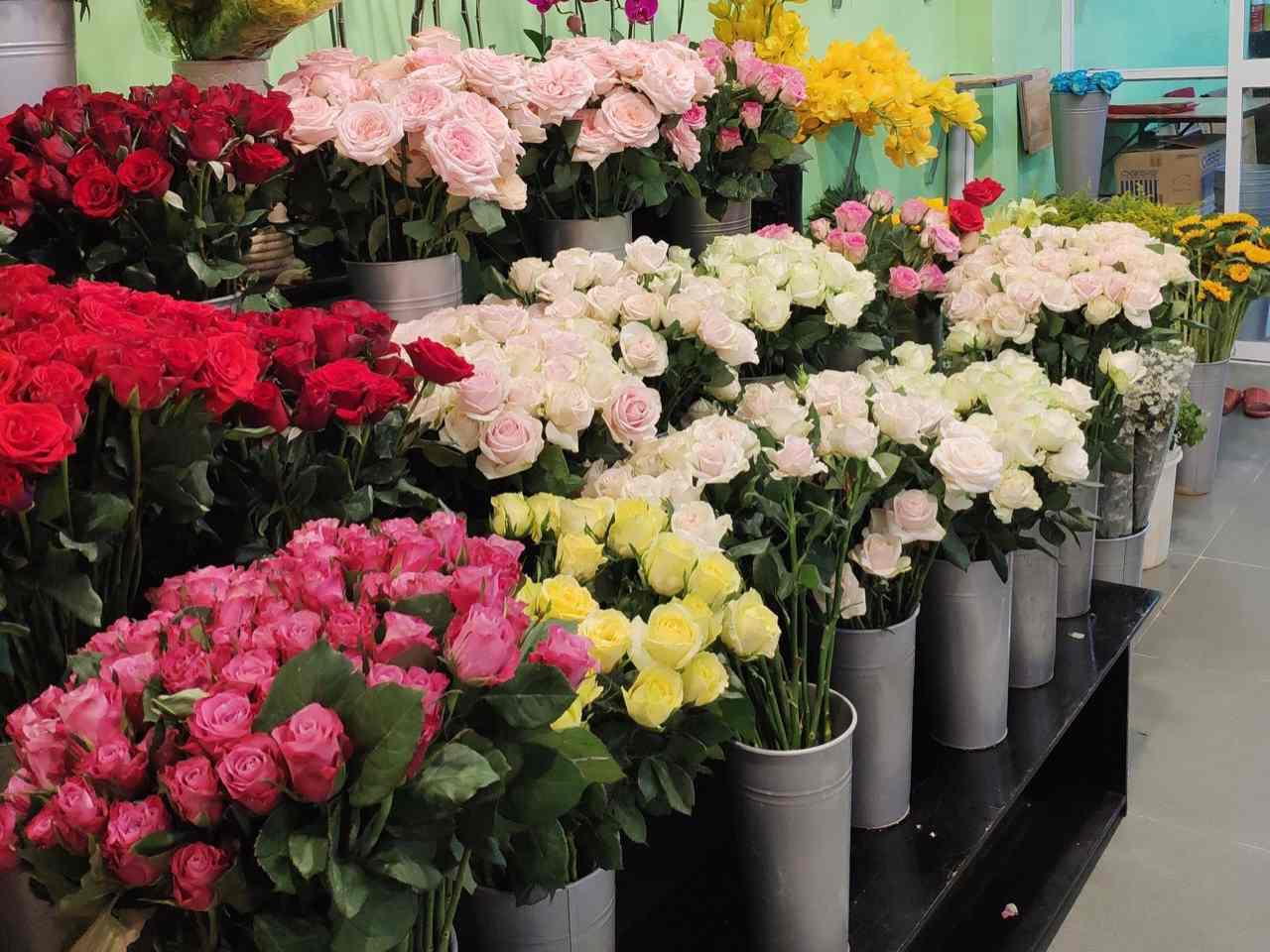 Hoa Được Chăm Sóc Đảm Bảo Độ Tươi Mới Tại shop hoa tươi Long An