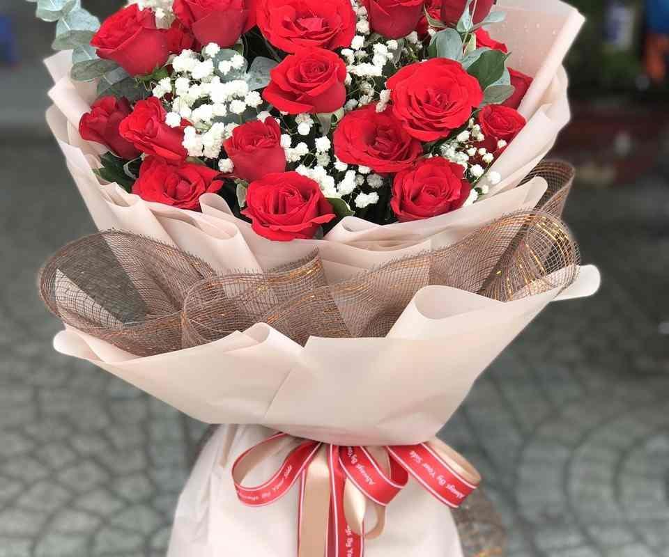 bó hoa hồng đỏ & baby