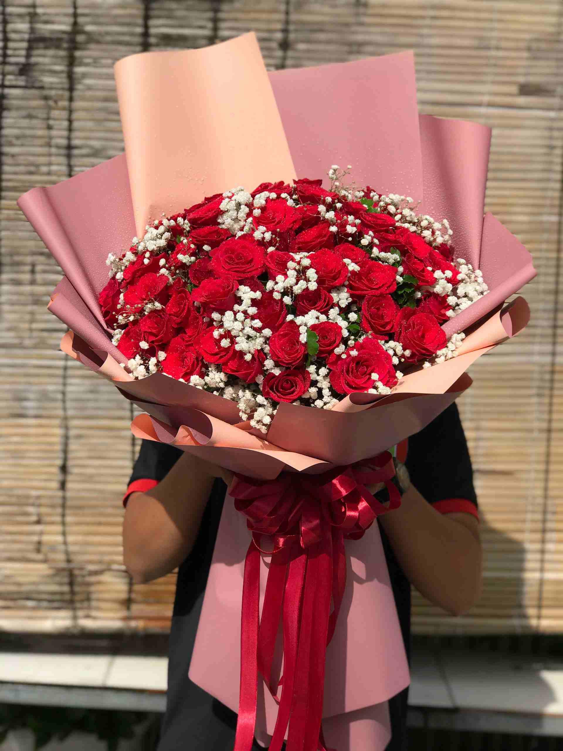 Mẫu Bó Hoa Hồng Đỏ 80 Bông Flower shop gò Dầu Thực Hiện Cho Khách ( Mẫu Hoa Đặt Trước 120 phút )