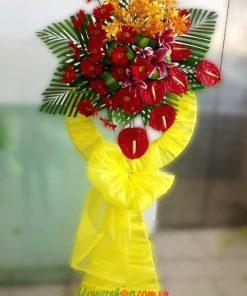 Vòng hoa khai trương Hồng Môn- Đồng tiền Đỏ-Lan mokara vàng