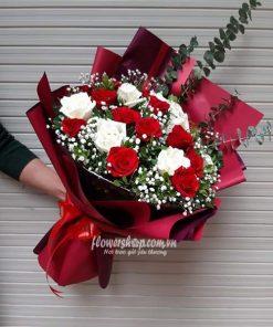 bó hoa hồng trắng, đỏ 20 bông