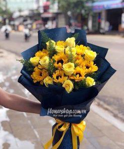 bó hoa hướng dương với hoa hồng vàng