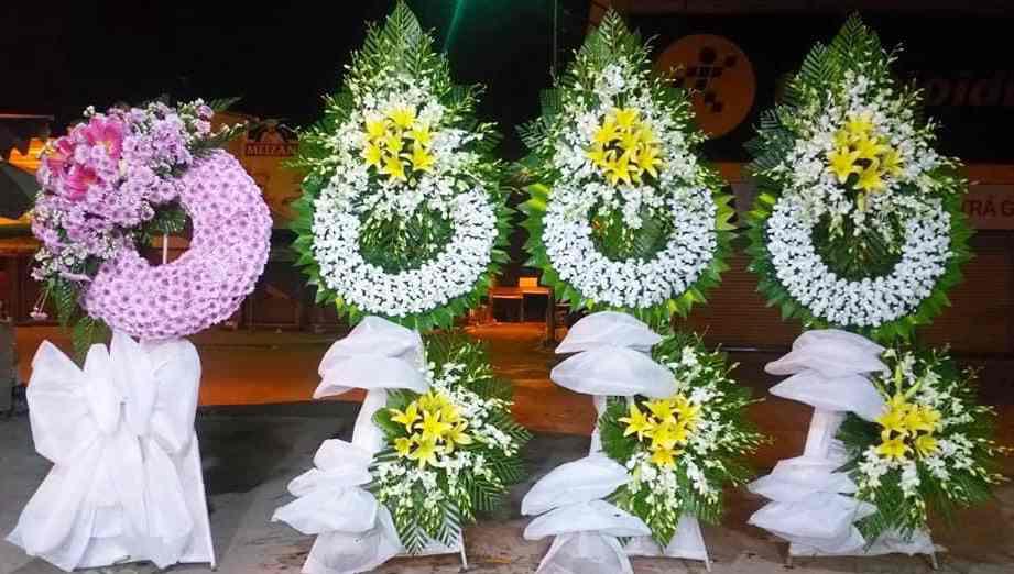 Vòng Hoa Tang Lễ Phú Nhuận Giao Hoa Miễn Phí-Siêu Nhanh 60-120p