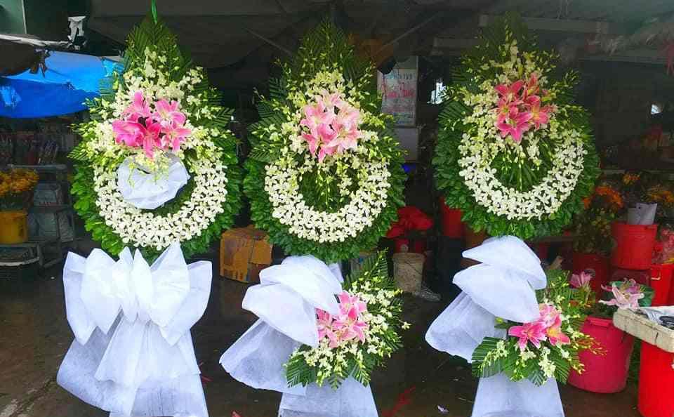 Đặt Vòng Hoa Tang Lễ