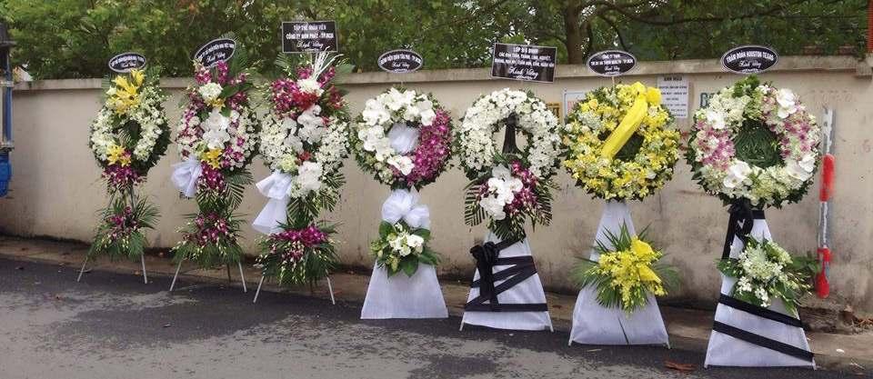 Mẫu vòng hoa tang lễ tại Hà Nội