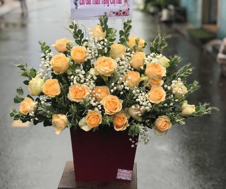 giỏ hoa hồng tại shop hoa tươi long an
