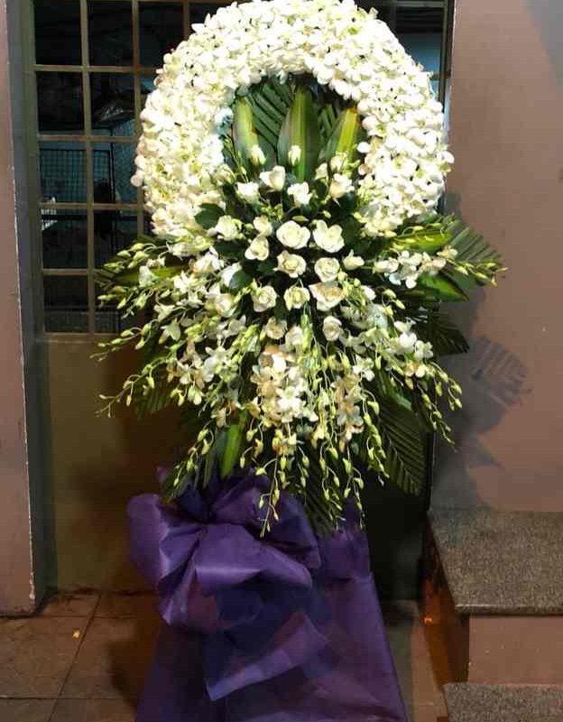 hoa chia buồn tại shop hoa tươi ở TP HCM