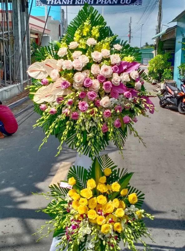 hoa viếng tang lễ